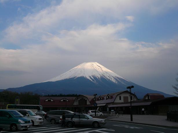 4.29道の駅朝霧からの富士