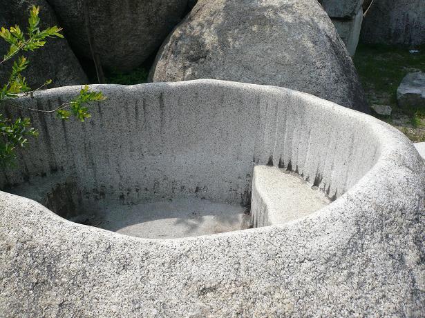 5.12石のお風呂2