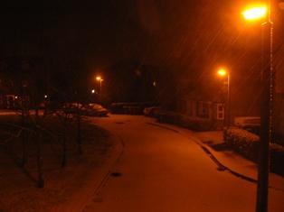 真夜中の雪