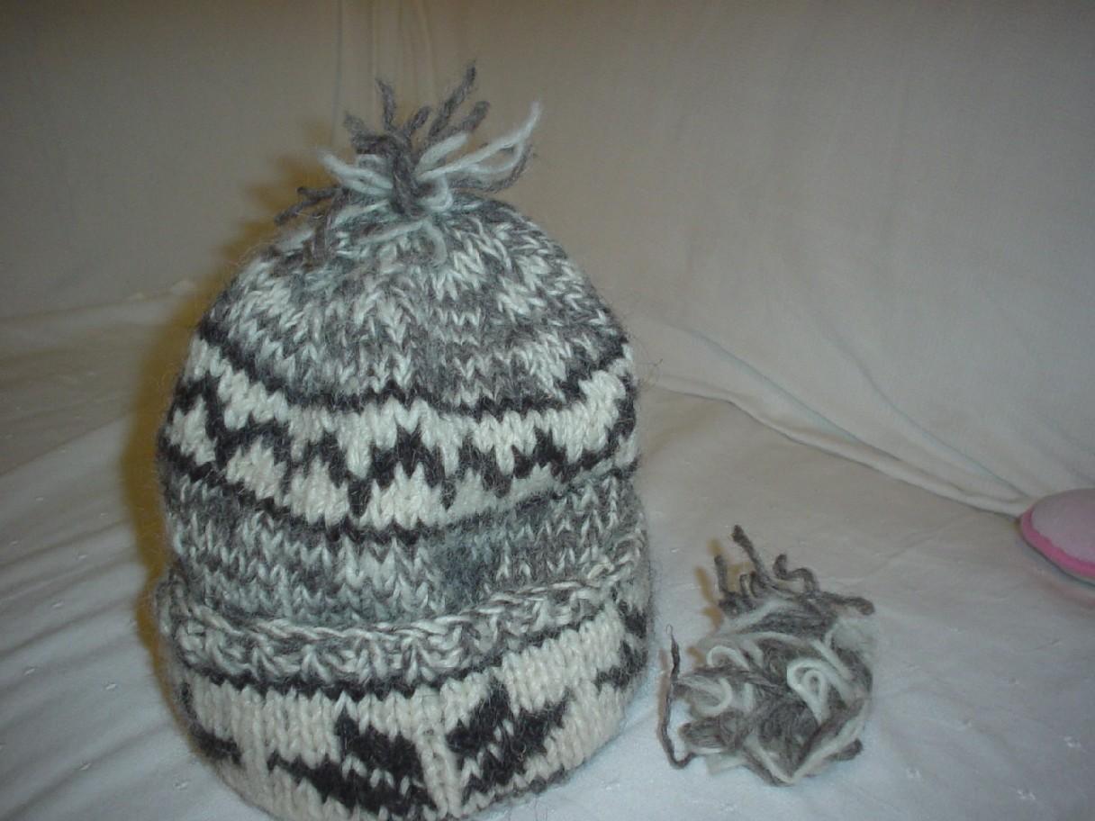 破壊された帽子.jpg