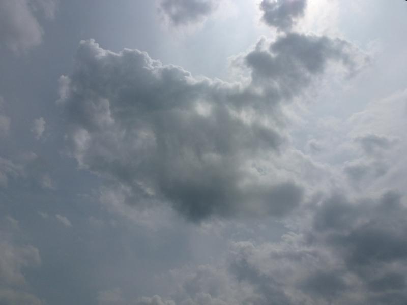 雲が厚いかな?